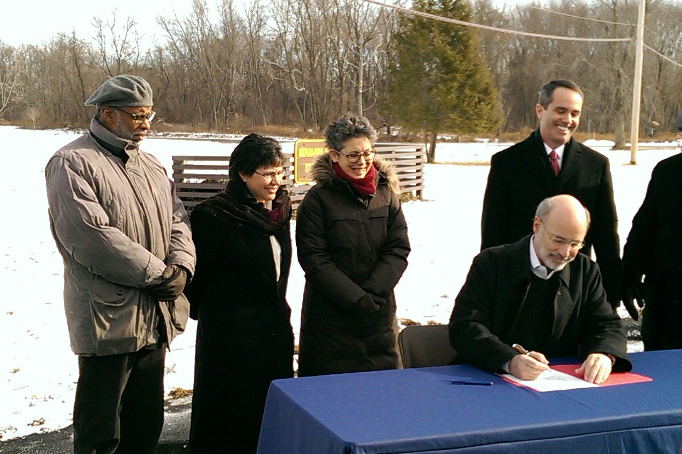 January 29, 2015: I was proud to support Governor Wolf as he signed an executive order restoring the ban on drilling licenses on state land in Philadelphia's Benjamin Rush State Park.