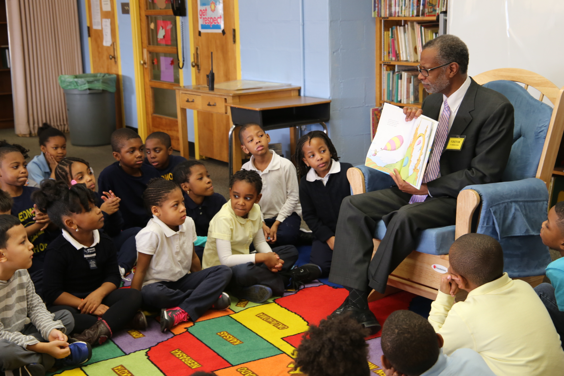 March 2, 2016: Sen. Haywood reads to children at Edmonds Elementary School for Read Across America Day.