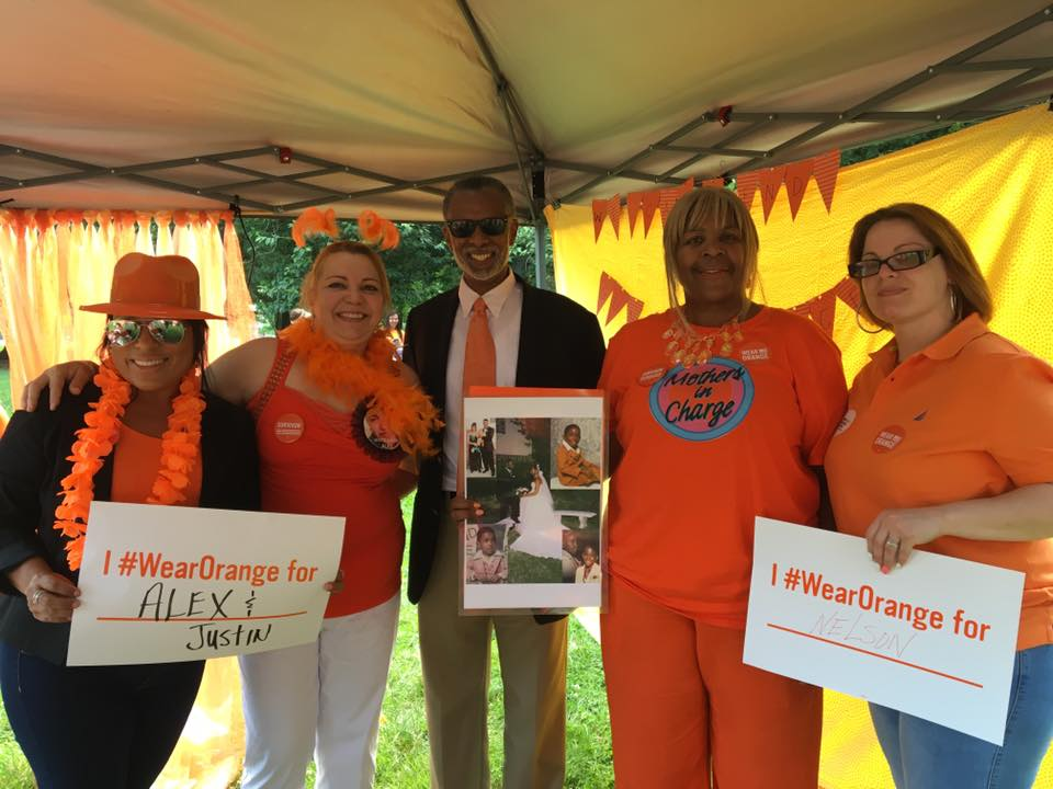 June 2, 2016: Senator Haywood joins Moms Demand Action and Mothers in Charge to #WearOrange on Gun Violence Awareness Day