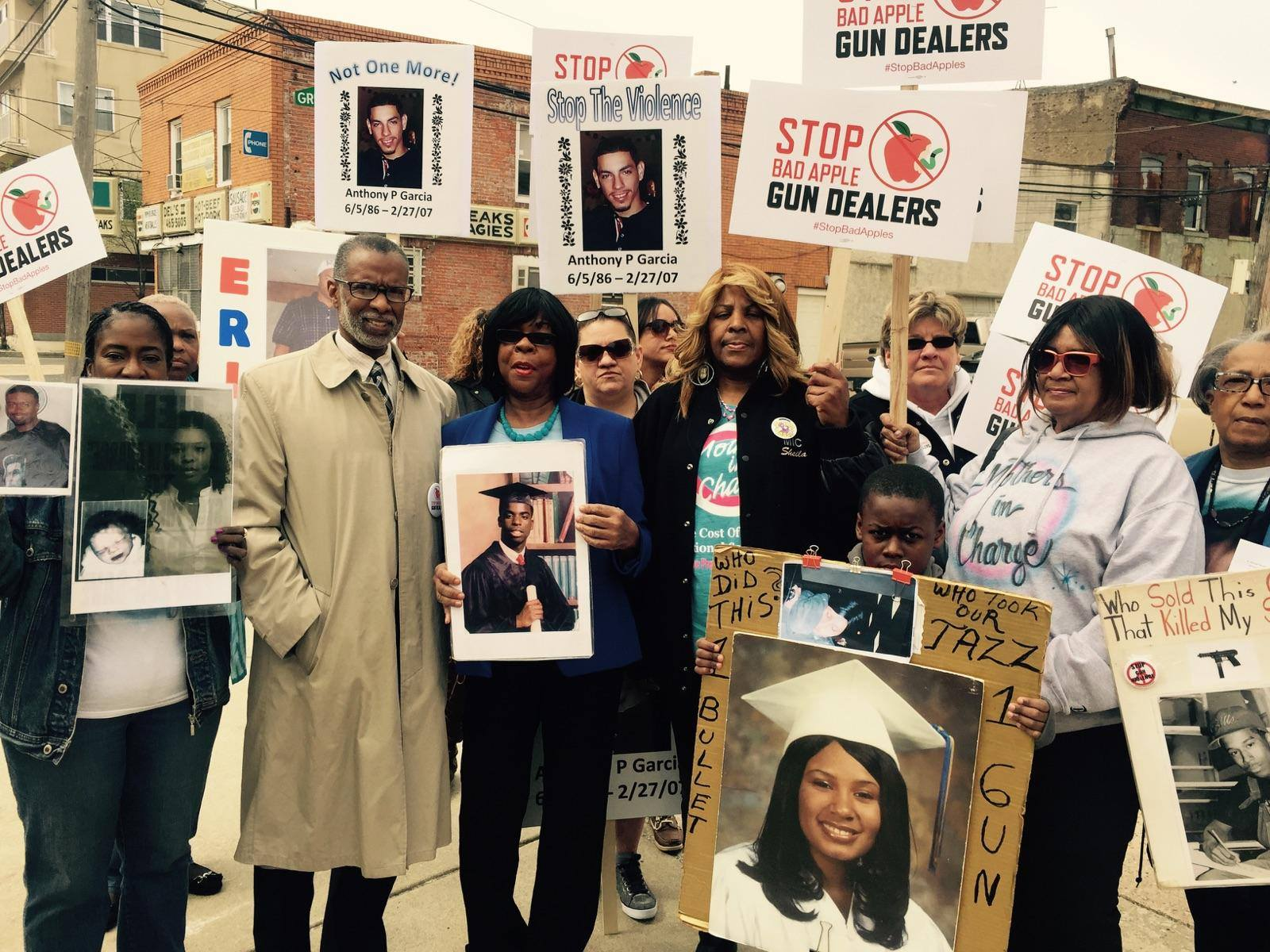 April 25, 2015: Joining the Brady Campaign and Mothers in Charge to Protest Bad Apple Gun Dealers