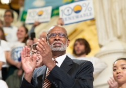 June 19, 2019:  Senator Haywood joins hundreds of Pennsylvanians to call for 100% renewable energy in Pennsylvania.