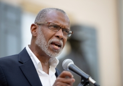 September 29, 2018: Senator Art Haywood hosts a rally to Impeach Trump Rally at Vernon Park.