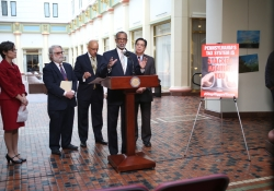 May 11, 2016: Senator Haywood introduces fair tax reform legislation with Senate Democratic leadership and colleagues at a press conference in the Capitol.